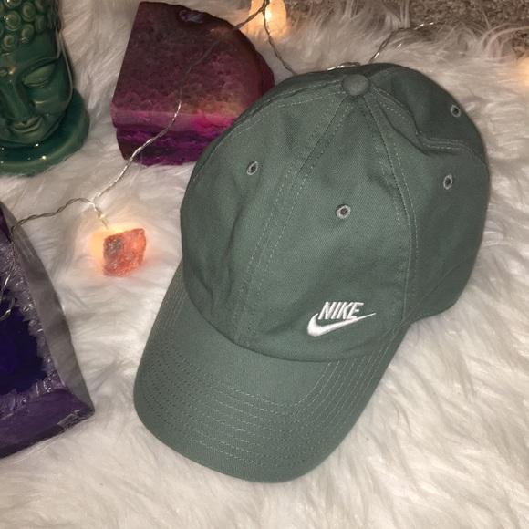 2b6ed3a2d64 Women s Nike Hat. M 5c38085e2beb79ef20df9987. Other Accessories ...